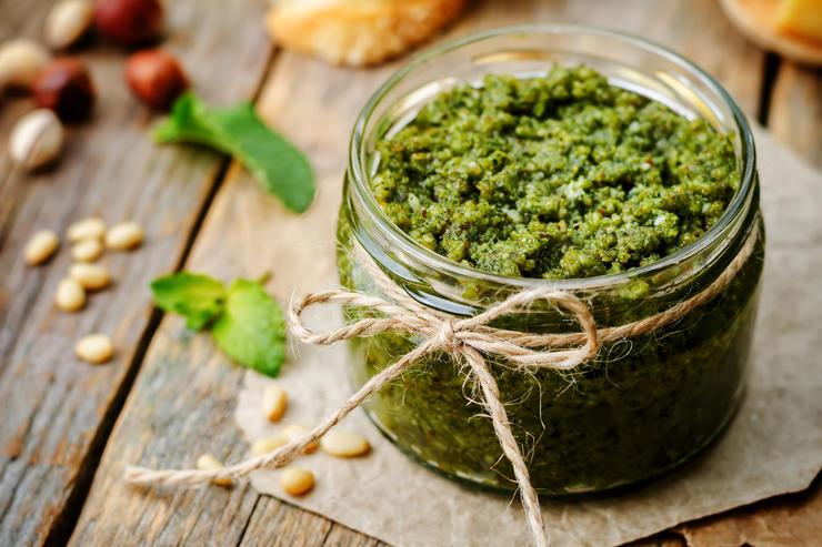 5 рецептов соуса Песто из разных продуктов - foodandmood.com.ua